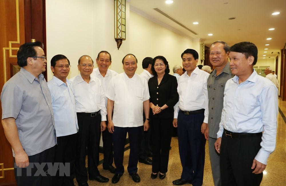 Hình ảnh lãnh đạo Đảng, Nhà nước trong ngày họp thứ 2 hội nghị TƯ 8