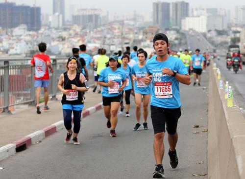Khởi động giải marathon quốc tế TPHCM 2019