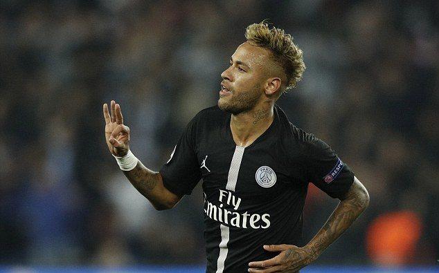 Neymar vẽ 2 siêu phẩm, PSG thắng bằng set tennis