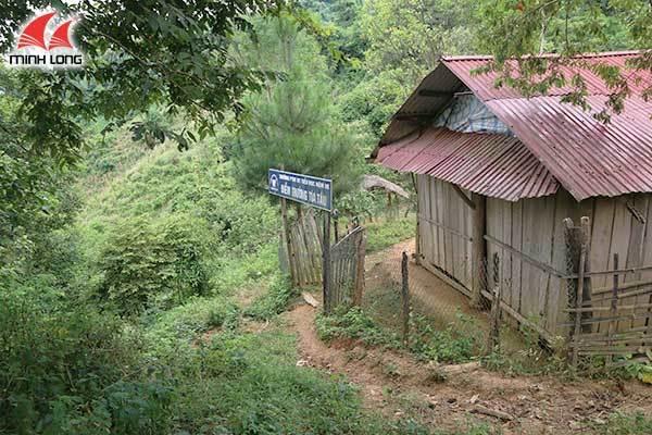 Gian truân đường tìm chữ của HS Nậm He - Điện Biên