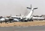Máy bay 'húc nhau' trên đường băng, vỡ tan tành