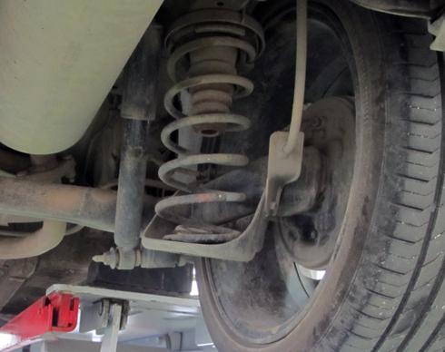 Những dấu hiệu cho thấy hư hỏng giảm xóc ô tô
