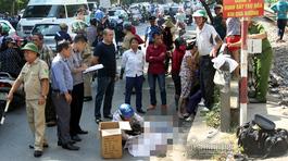 Hà Nội: Lao từ trong ngõ ra, người đàn ông bị tàu đâm chết