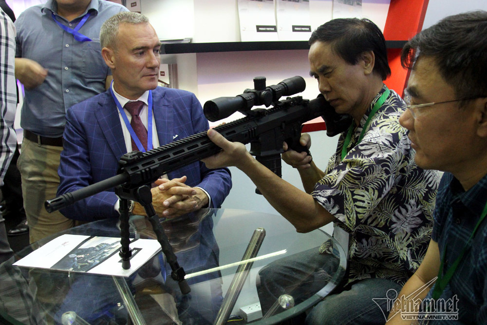 vũ khí,khí tài,tên lửa,tàu ngầm