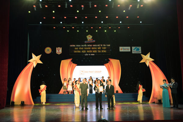 Hải Phát Invest nhận giải Sao vàng doanh nhân Đất Việt