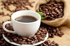 Hàng ngon bán cho Tây, dân Việt uống cà phê 'lẩu thập cẩm'