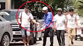 Hàng loạt bãi xe không phép chăng dây, thu phí khắp Hà Nội