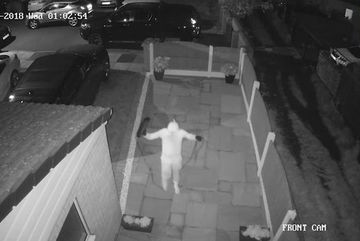 Mánh trộm cắp ô tô bằng công nghệ cao không cần chìa khóa chỉ trong vòng 1 phút