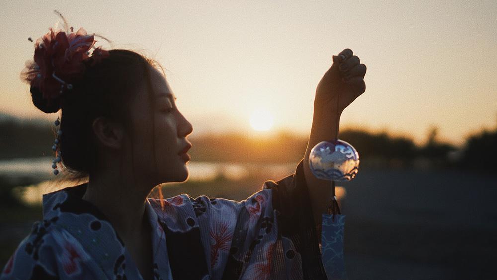 Văn Mai Hương bật khóc khi hát về sự tan vỡ trong tình yêu