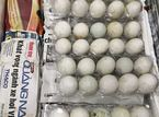 Mang trứng vịt lộn vào Singapore, 1 phụ nữ Việt bị phạt 150 triệu