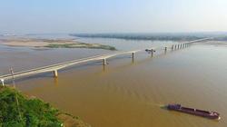 Thông cầu BOT ngàn tỷ, dân Hà Nội-Phú Thọ đỡ mất phí, chờ phà