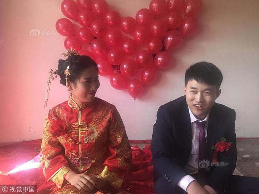 Chú rể dùng 520 cây kẹo đi đón dâu, cưới vợ không mất một đồng sính lễ