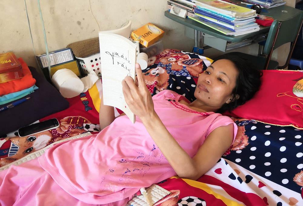 Chuyện tình cổ tích của cô gái Nghệ An 21 năm chống chọi với ung thư