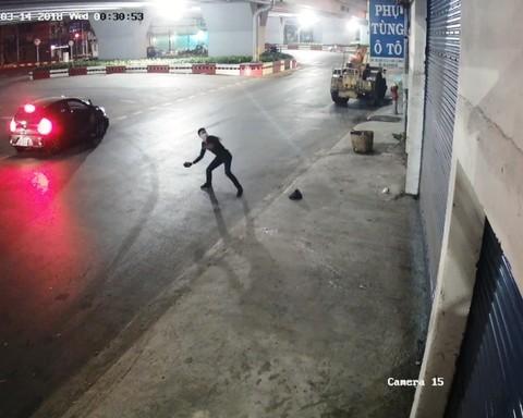 Giám đốc bị siết nợ Audi: Náo loạn khắp khu phố