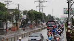 Tốn hơn 900 tỷ chống ngập 3,5km đường: Bao giờ dân hết khổ?