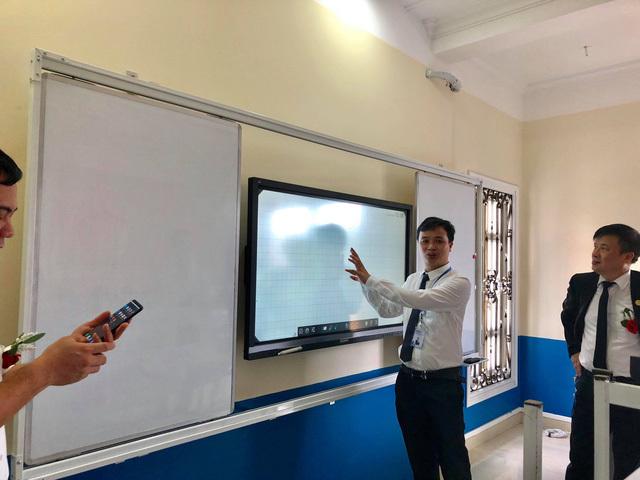 ĐH Ngoại ngữ Hàn Quốc chuyển giao giáo trình tiếng Hàn cho Hệ thống ICOHankuk VN