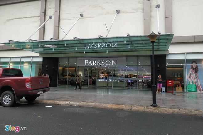 Parkson còn lại gì ở Sài Gòn nếu đóng cửa trung tâm tại Cantavil?