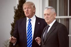 Ông Trump chuẩn bị 'thay máu' quân đội Mỹ?