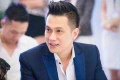 Cùng để 'độc thân' trên Facebook, vợ chồng diễn viên Việt Anh bị nghi rạn nứt