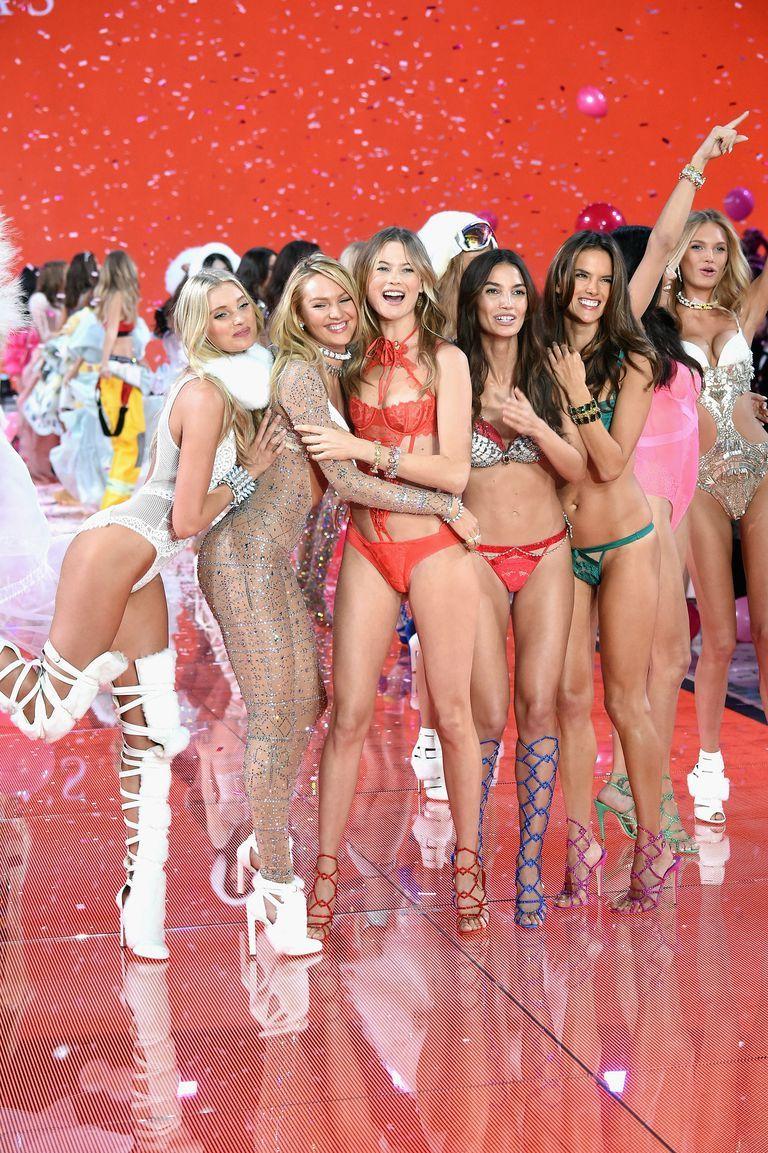 Vé xem show Victoria's Secret được bán với giá trên trời