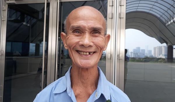 """Cụ SV 85 tuổi: """"Mong sống được đến lúc tốt nghiệp"""""""