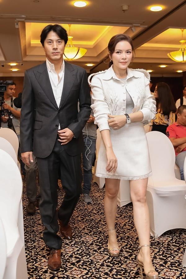 Tài tử 'Giày thủy tinh' Han Jae Suk xuất hiện điển trai bên Lý Nhã Kỳ