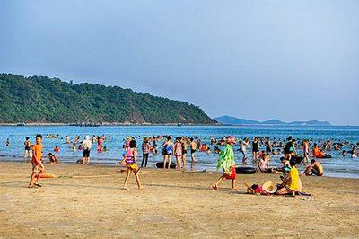 Quảng Ninh: Thêm bãi tắm Vàn Chảy đạt tiêu chuẩn du lịch