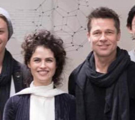 Nữ giáo sư 42 tuổi lần đầu lên tiếng về tin đồn hẹn hò Brad Pitt