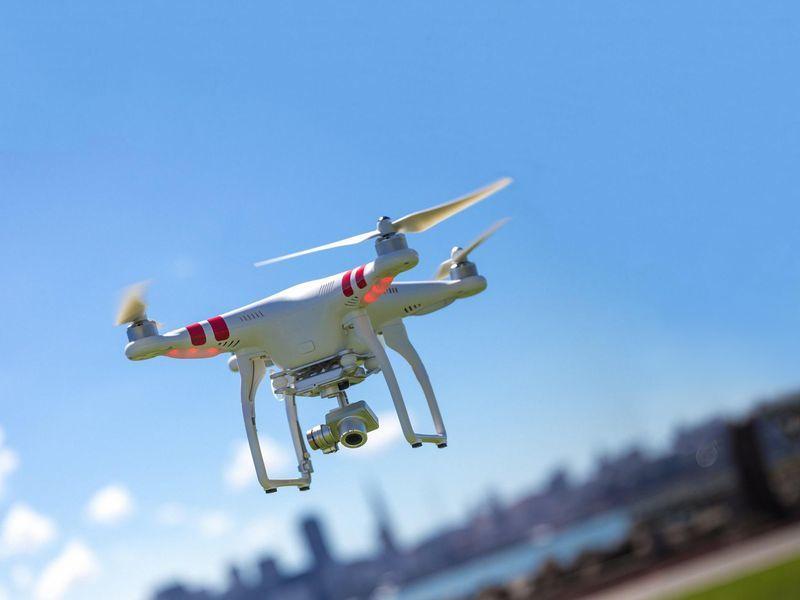 Flycam có thể gây nguy hiểm cho máy bay như thế nào?