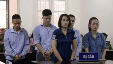 Hà Nội: Cựu cán bộ công an bán ma túy cho 2 'nữ quái'