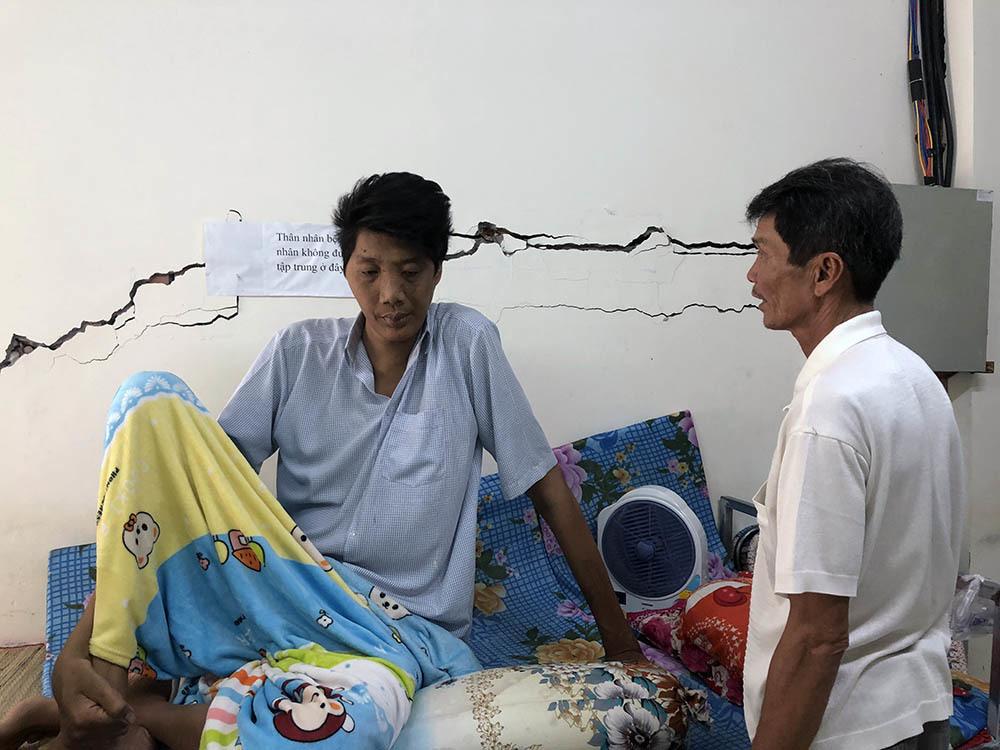 Nam thanh niên người Việt bất ngờ cao 2,5m sau đợt sốt kéo dài