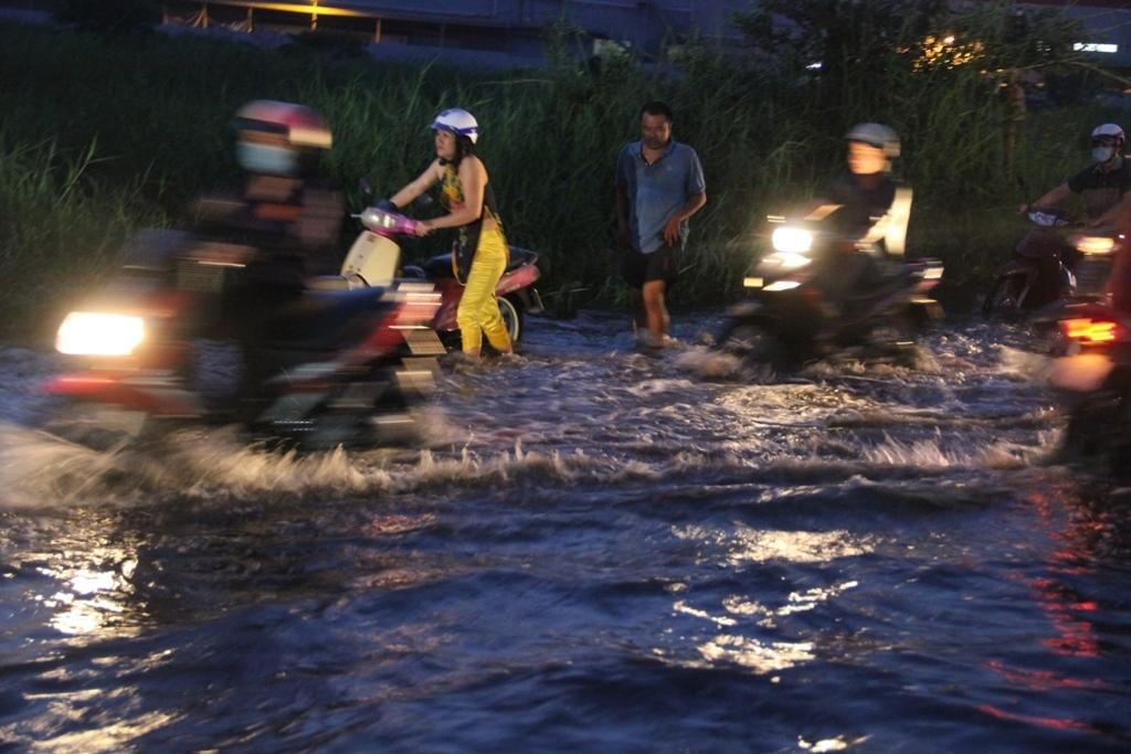 ngập nước,ngập nặng,triều cường,kẹt xe,Sài Gòn