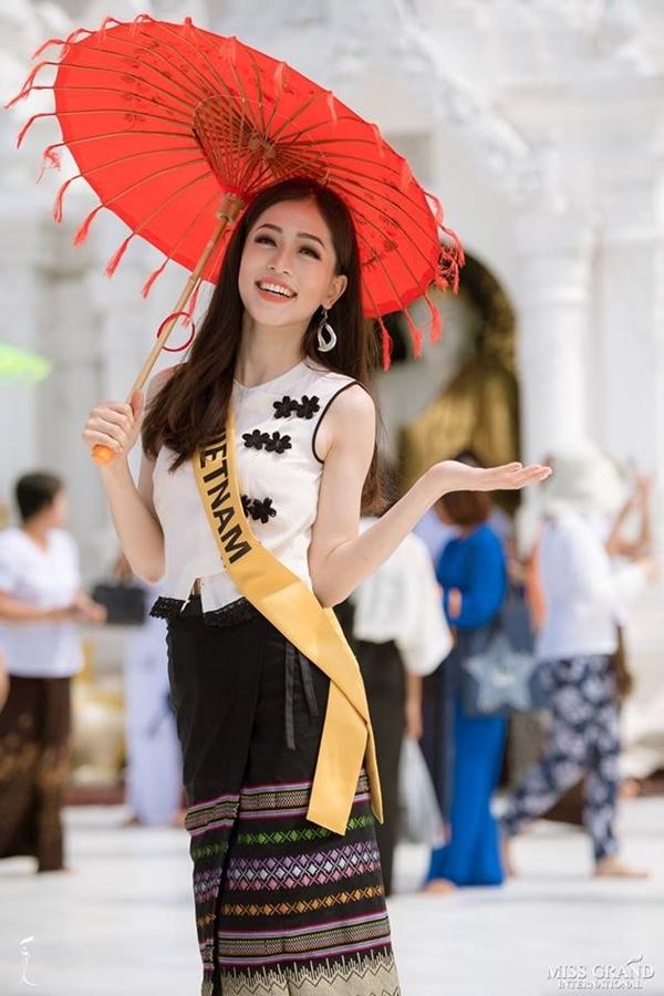Tin sao Việt 10/10: Việt Hương nhuộm tóc trẻ trung đến khó tin ở tuổi 42