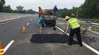 Cao tốc 34.000 tỷ chi chít ổ gà: Hỏa tốc chỉ đạo vá đường tạm thời