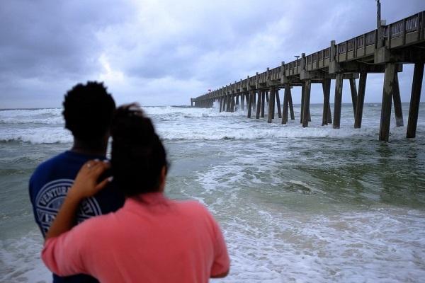 Mỹ chuẩn bị hứng bão cấp 'cực kỳ nguy hiểm'