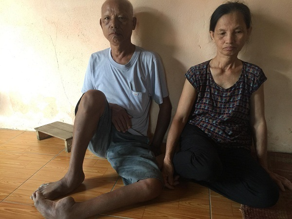 Mẹ ung thư, vợ suy thận, người đàn ông nghèo cầu mong sự giúp đỡ