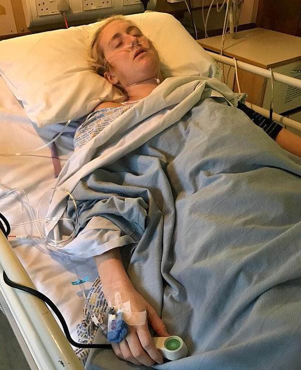 Nữ y tá 29 tuổi phải cắt 1,2m ruột vì căn bệnh nhiều người mắc phải