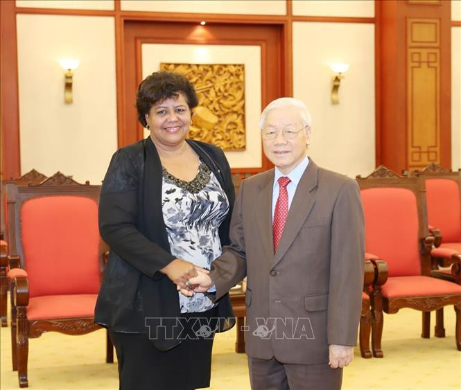 Tổng bí thư: Việt Nam sẵn sàng chia sẻ với Cuba kinh nghiệm đổi mới