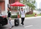 Tuyển Việt Nam hội quân: Văn Toàn siêu cute, một mình lên tuyển