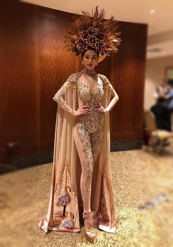 Đại diện Việt Nam giành giải vàng trang phục đẹp nhất tại Miss Earth 2018
