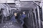 Tụt nóc hầm lò vùi lấp 3 công nhân, 1 người chết