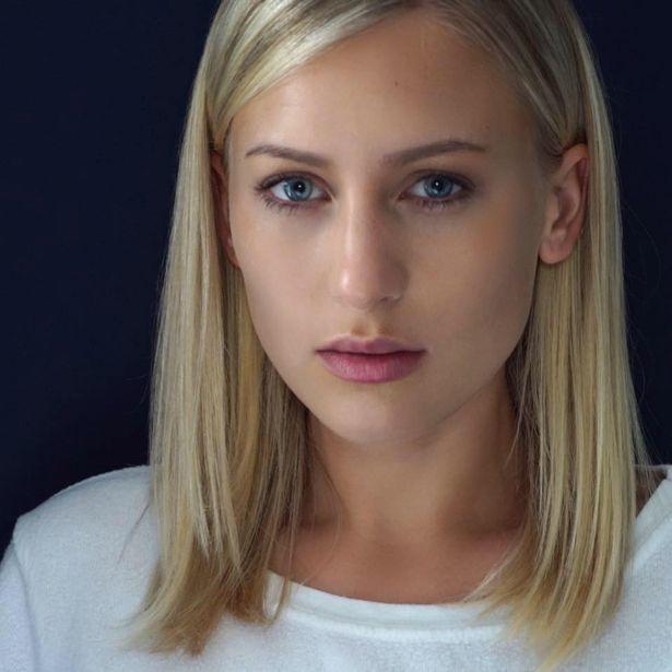 Nữ bảo mẫu sẵn sàng công khai video quan hệ tập thể với vợ chồng Mel B