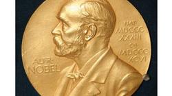 Người đoạt giải Nobel đầu tiên khiến vợ hoảng hốt vì phát minh ra cái gì?