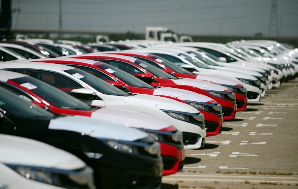 Ô tô nhập giá rẻ tràn về, xe nội tăng bán ra: Cuối năm giá giảm tiếp
