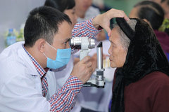 Chăm sóc mắt cộng đồng 2018: Khám mắt miễn phí tại 6 tỉnh