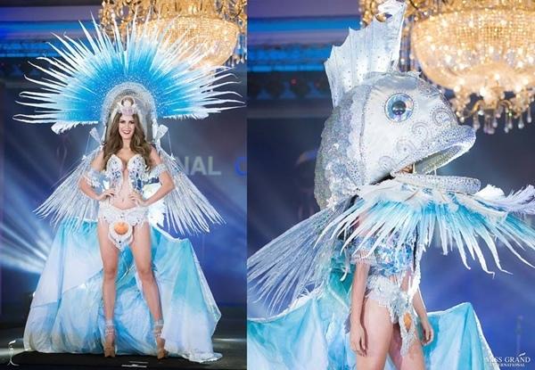 Đại diện Guadeloupe bất cẩn lộ vòng 1 trên sân khấu Hoa hậu Hòa bình 2018
