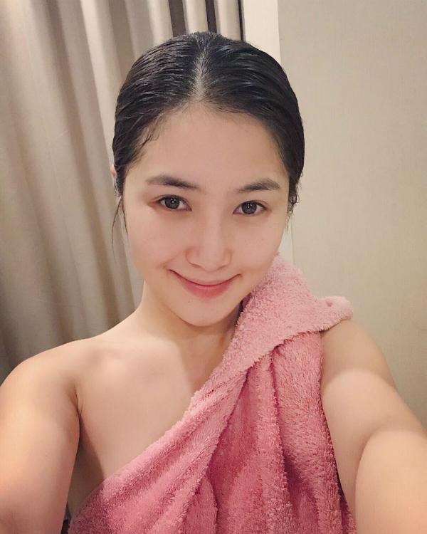 Sao Việt ngày 13/10: Nhã Phương khoe nhan sắc rạng rỡ sau kết hôn với Trường Giang