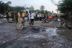 Dây điện rơi trước cổng trường, 2 học sinh tử vong tức tưởi