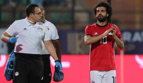Liverpool lo sốt vó về chấn thương của Salah