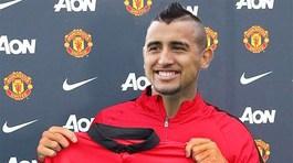 MU hoảng hồn, Mourinho đổi Pogba lấy Vidal